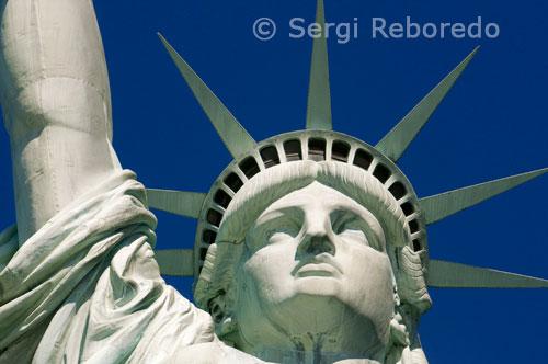 LA MEJOR GUIA DE VIAJES  NUEVA YORK EN TU BOLSILLO 0244e6c74f5