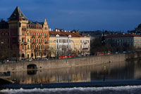 Images of the Vltava River as it passes through the Charles Bridge in Prague. The Vltava (Czech: Vltava, in German: Moldau; Polish: We? Tawa) is the longest river in the Czech Republic. Born in the Czech part of the Bohemian Forest, passing by? Eský Krumlov? Eské Bud? Jovice and Prague, and finally joins the Elbe at M? Lnik. Its length is 430 km and irrigates an area of ??approximately 28 000 km ², at its confluence carries more water than the Elbe, but joins at right angles to its course, it seems a tributary.